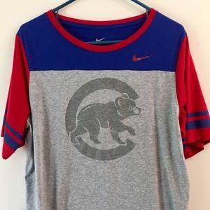 Nike short sleeve Cubs shirt size XL